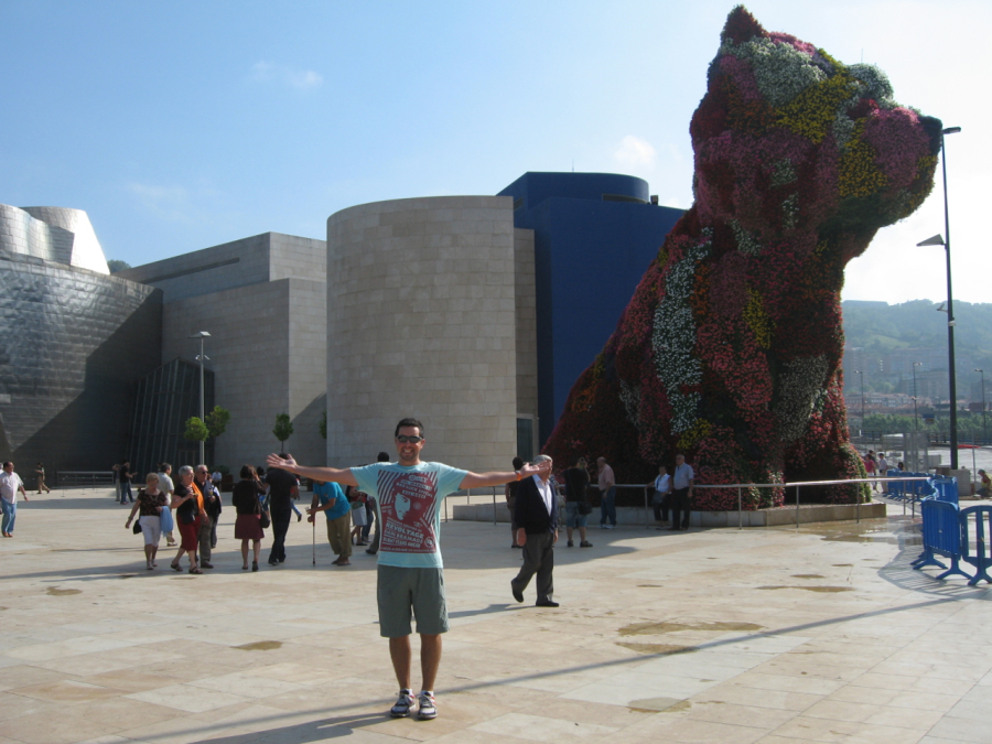 Jeff Koon Puppy at Guggenheim Bilbao - August 2009